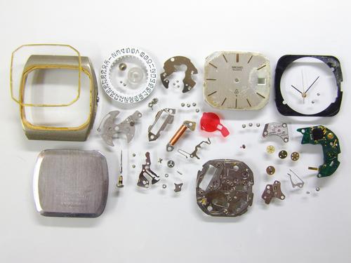 クォーツ式腕時計修理---セイコー7832Aクォーツ腕時計 分解掃除(オーバーホール)【times-machine.com】《 時計修理 》【三田時計メガネ店@栃木県大田原市前田】