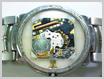 クォーツ式腕時計修理---ケース周りの汚れ【times-machine.com】《 時計修理 》【三田時計メガネ店@栃木県大田原市前田】