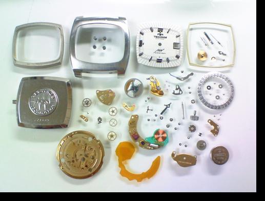 9.テクノスパーぺトロンY29154電子腕時計 分解掃除(オーバーホール)